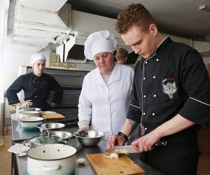 Проявляет ли молодежь интерес к рабочим профессиям?
