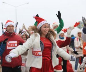 У Мінску адбыўся першы забег Санта-Клаўсаў