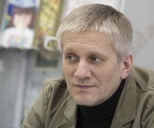 Галоўным рэдактарам «Літаратуры і мастацтва» стаў Аляксей Чарота