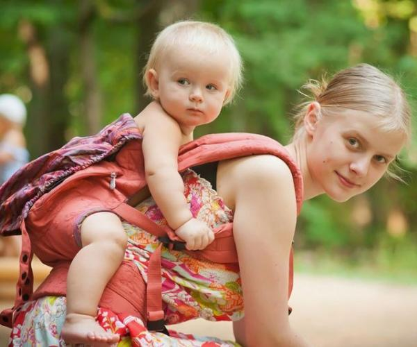 С какими проблемами сталкиваются несовершеннолетние родители?