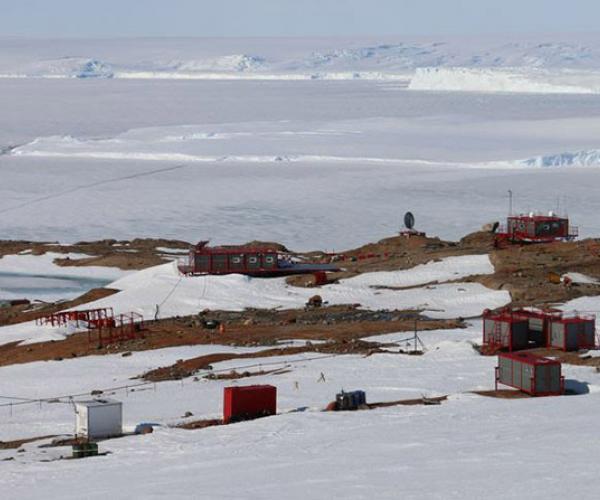 «Зiмоўка ў Антарктыдзе — асаблiвы выпадак». Восем месяцаў у годзе аказаць дапамогу на ледзяным кантыненце нiхто не зможа