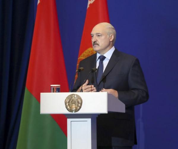Президент поучаствовал в форуме экспертной инициативы «Минский диалог»