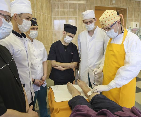 «Звязда» воочию увидела, как становятся военными врачами