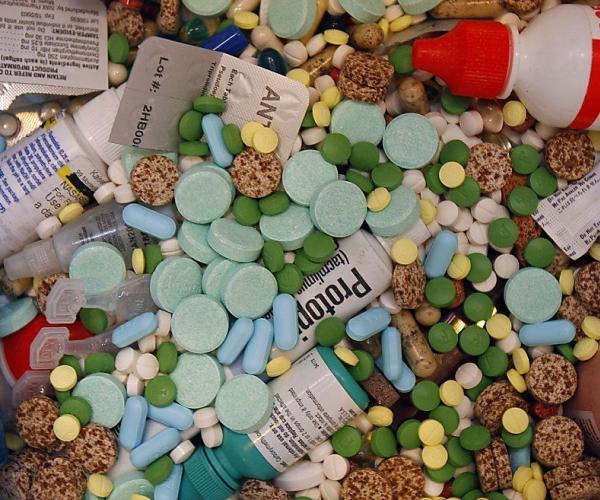 Таблетки... в реке