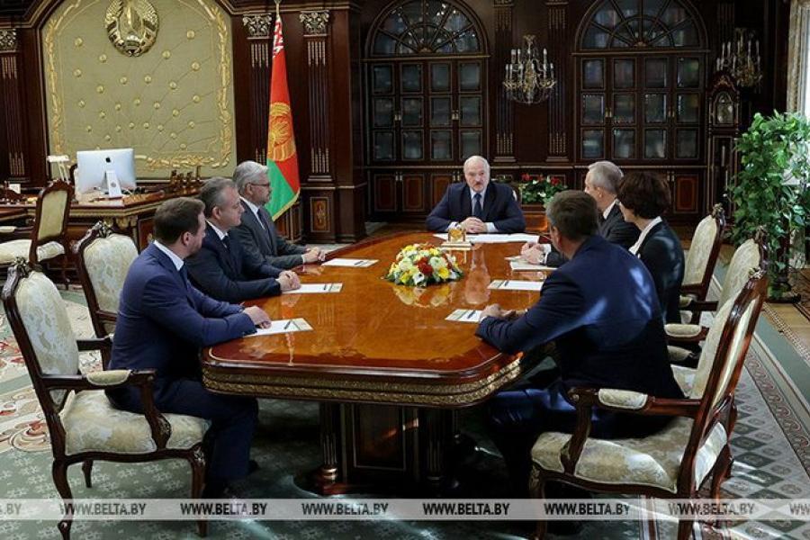 Аляксандр Лукашэнка разгледзеў кадравыя пытанні