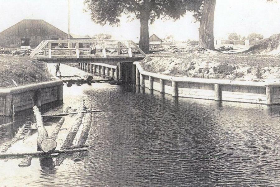 Как в Беларуси появились первая спроектированная дорога и канал