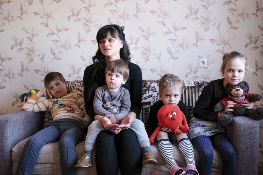 Маладая шматдзетная сям'я расказвае пра тое, з якімі праблемамі сутыкнулася пры будаўніцтве жылля