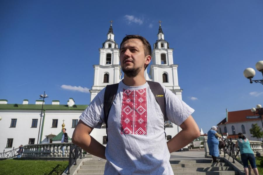 Священник храма деревни Михановичи на языке молодых рассказывает о вечном