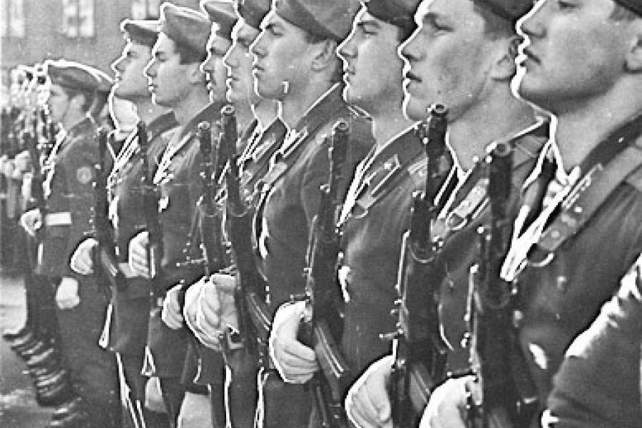 Трансфармацыя арміі ў эпоху станаўлення суверэннай Беларусі