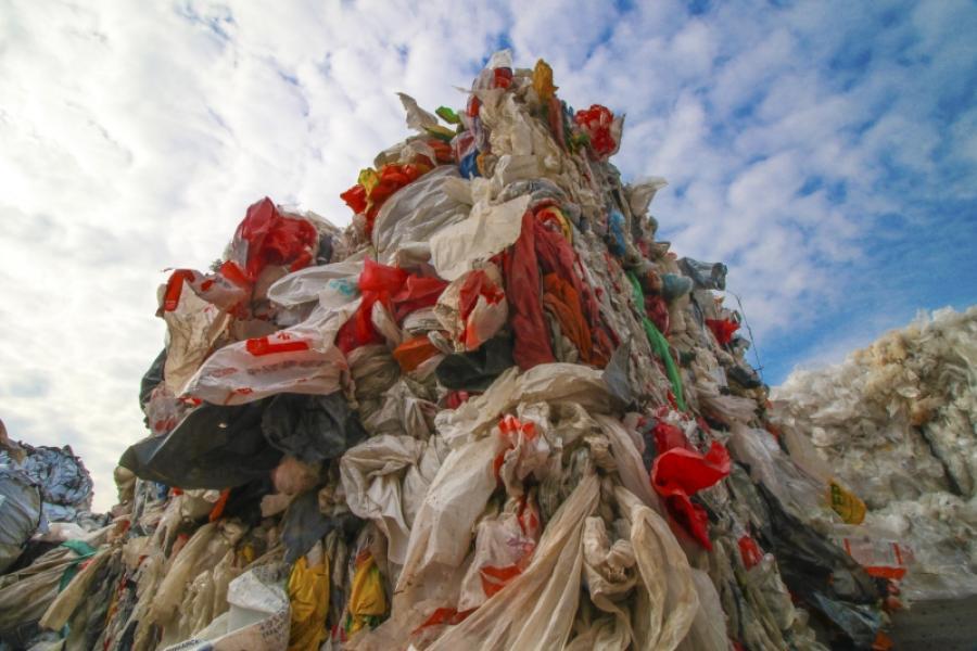 Новые жизни полимеров и пластмассовая культура как спасение от мусора