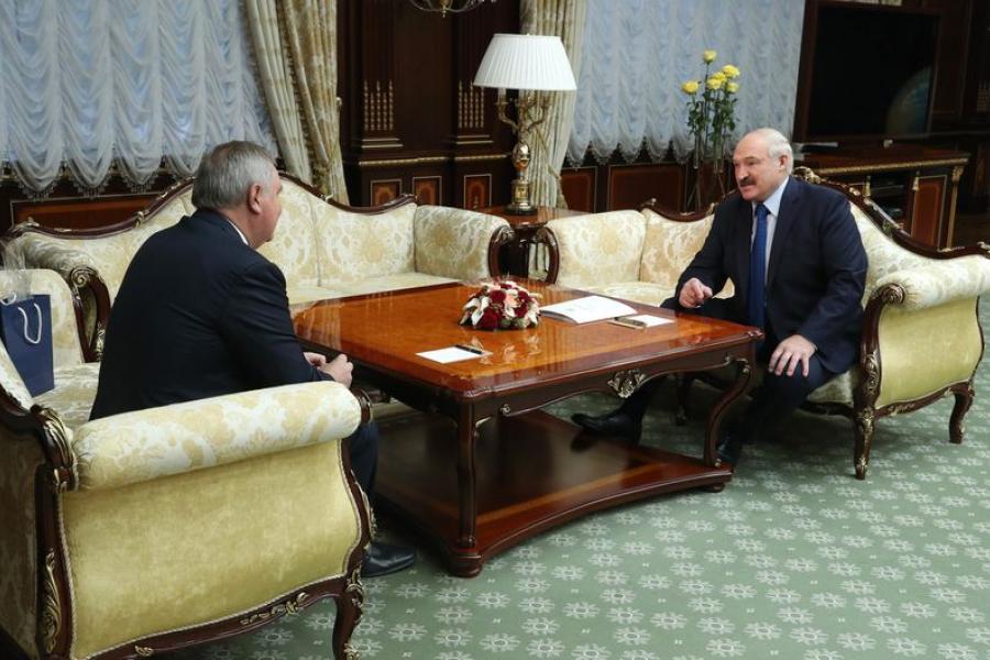Лукашенко: Космос — лакмусовая бумажка, которая помогает оценить возможности и способности государства (дополнено)