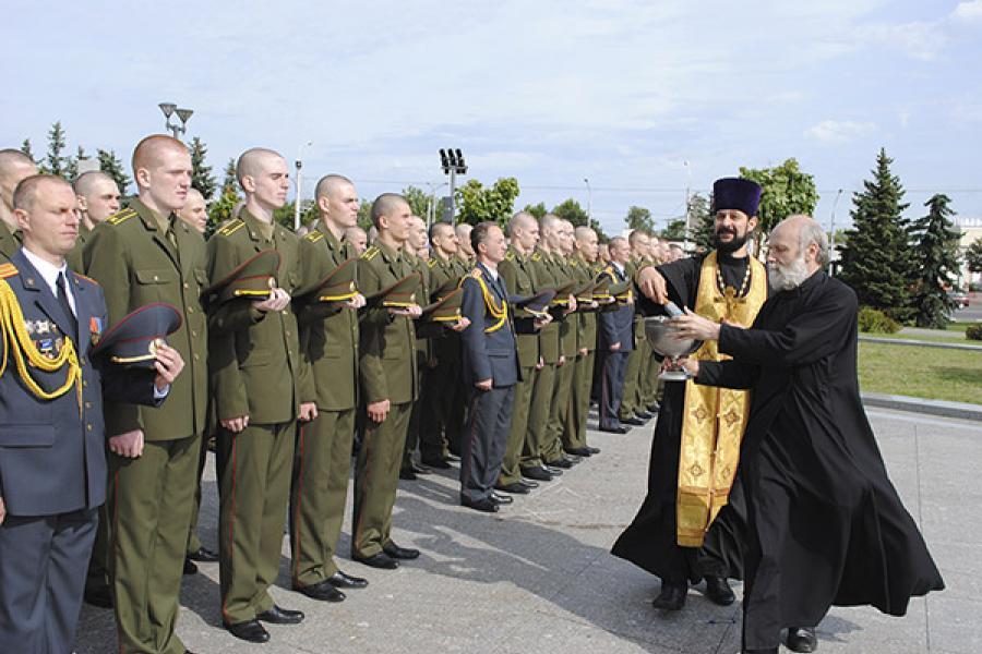 Первокурсники Академии МВД приняли присягу