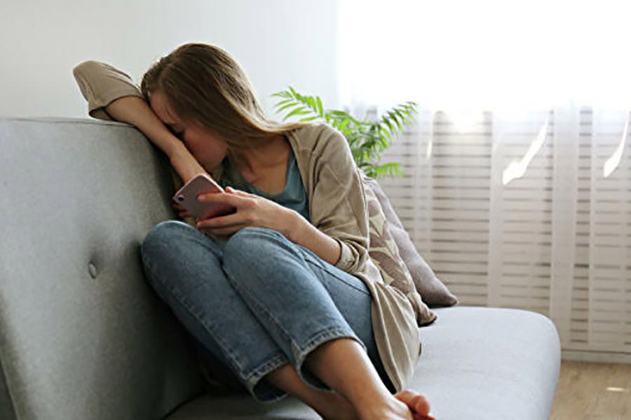 «Антидепрессанты не вызывают привыкания и зависимости». Как побороть тревогу и депрессивное настроение?