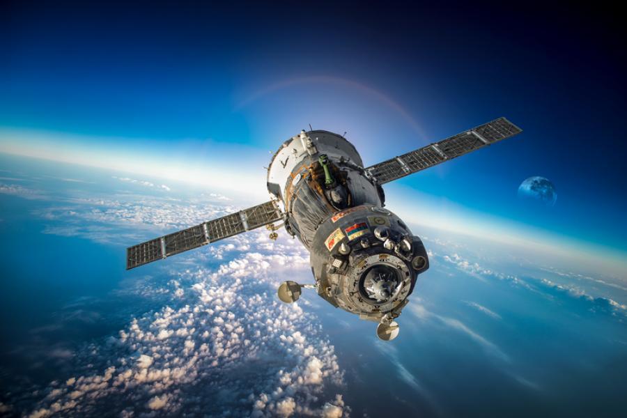 Корпорация «Роскосмос» и Министерство просвещения РФ планируют создавать аэрокосмические классы