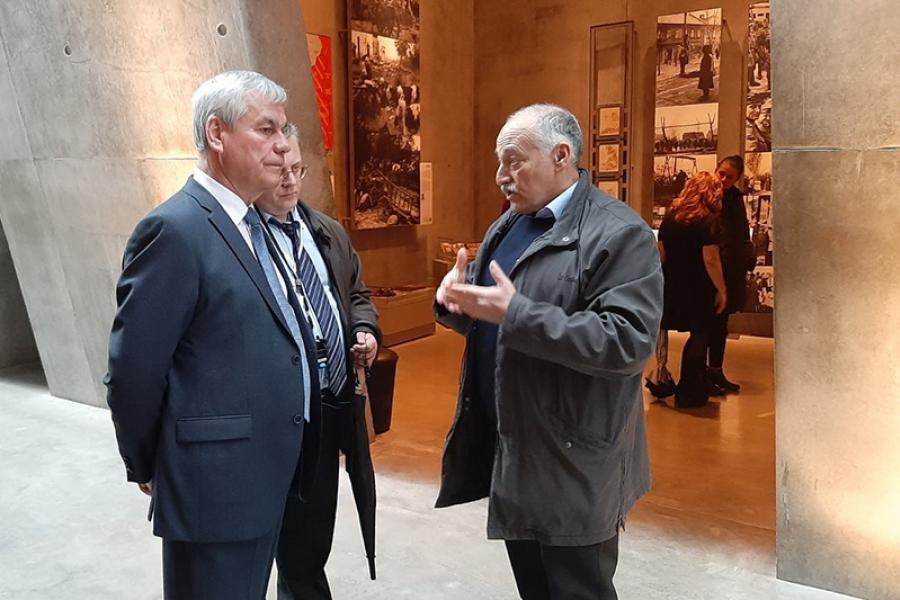 Владимир Андрейченко посетил Мемориальный комплекс истории Холокоста «Яд Вашем»