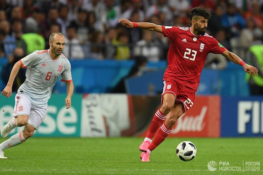 Уругвай с Россией в 1/8 финала, Испания догоняет Португалию