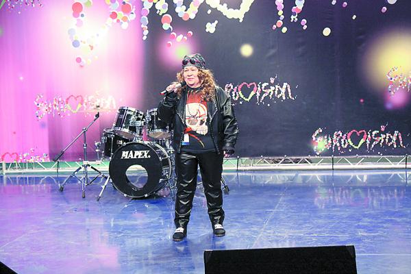 Бабуля-рокер з Косава была, напэўна, найстарэйшай удзельніцай кастынгу.