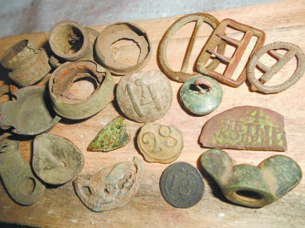 Знаходкі чорных капальнікаў, размешчаныя на беларускім скарбашукальніцкім партале,  у раздзеле «сфрагістыка».