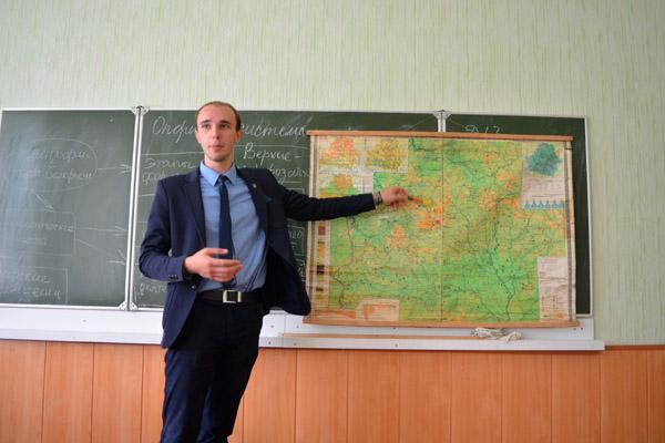 «Інфармацыя на ўроку павінна быць візуальнай», — лічыць Генадзь Гапановіч.